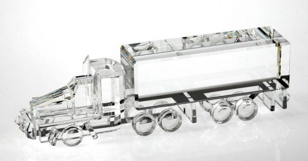 18 Wheeler / Truck